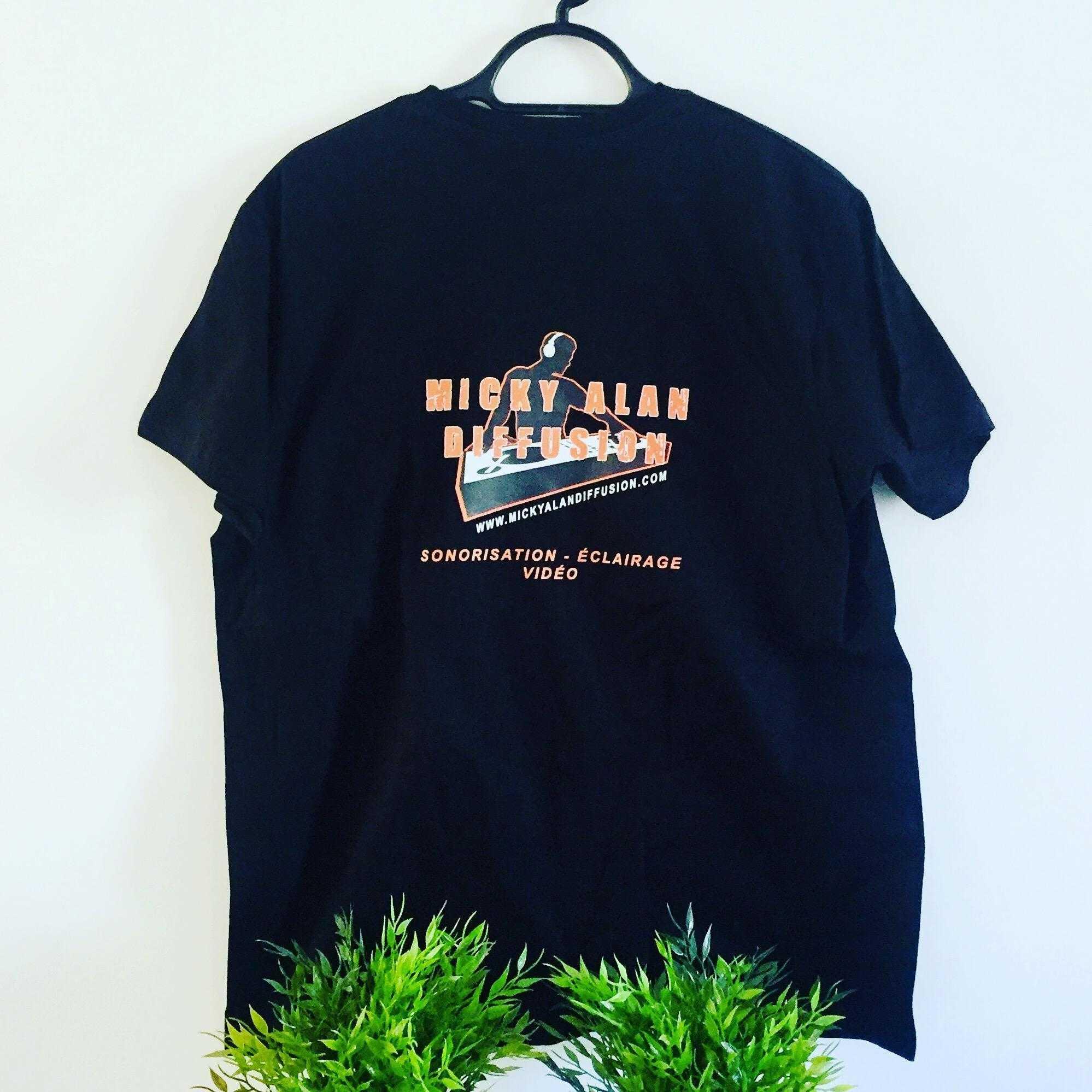 T-shirt marquage cœur et dos