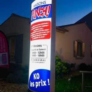 Totem publicitaire Avignon