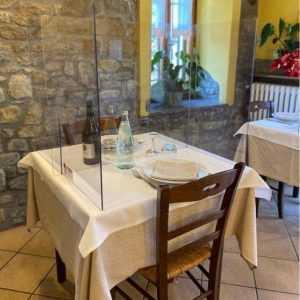 Protection de plexiglass pour restaurant A