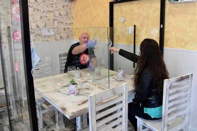 Protection de plexiglass pour restaurant Cavaillon