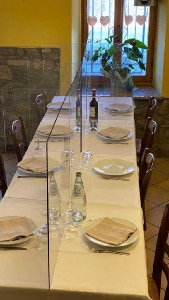 Protection de plexiglass pour restaurant VEDene