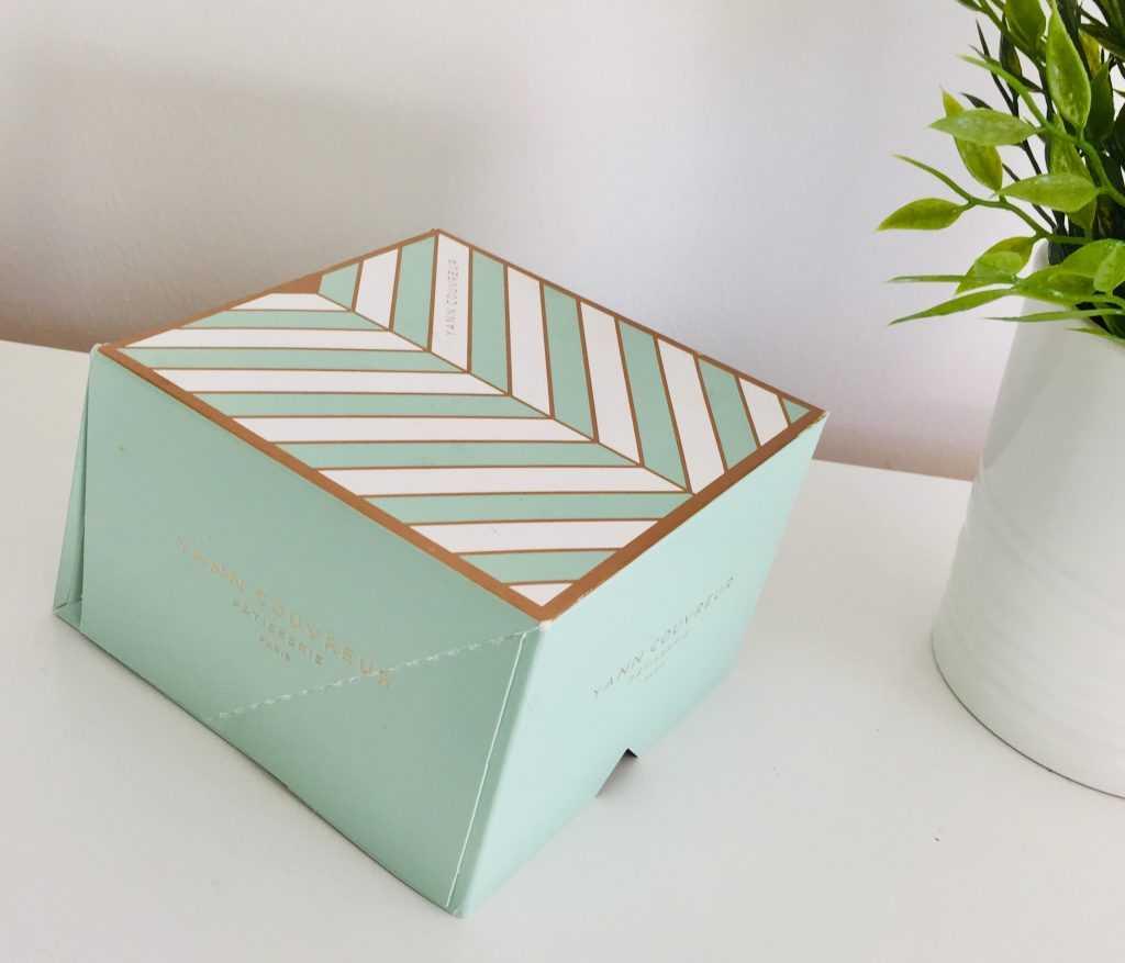 Packaging macarons