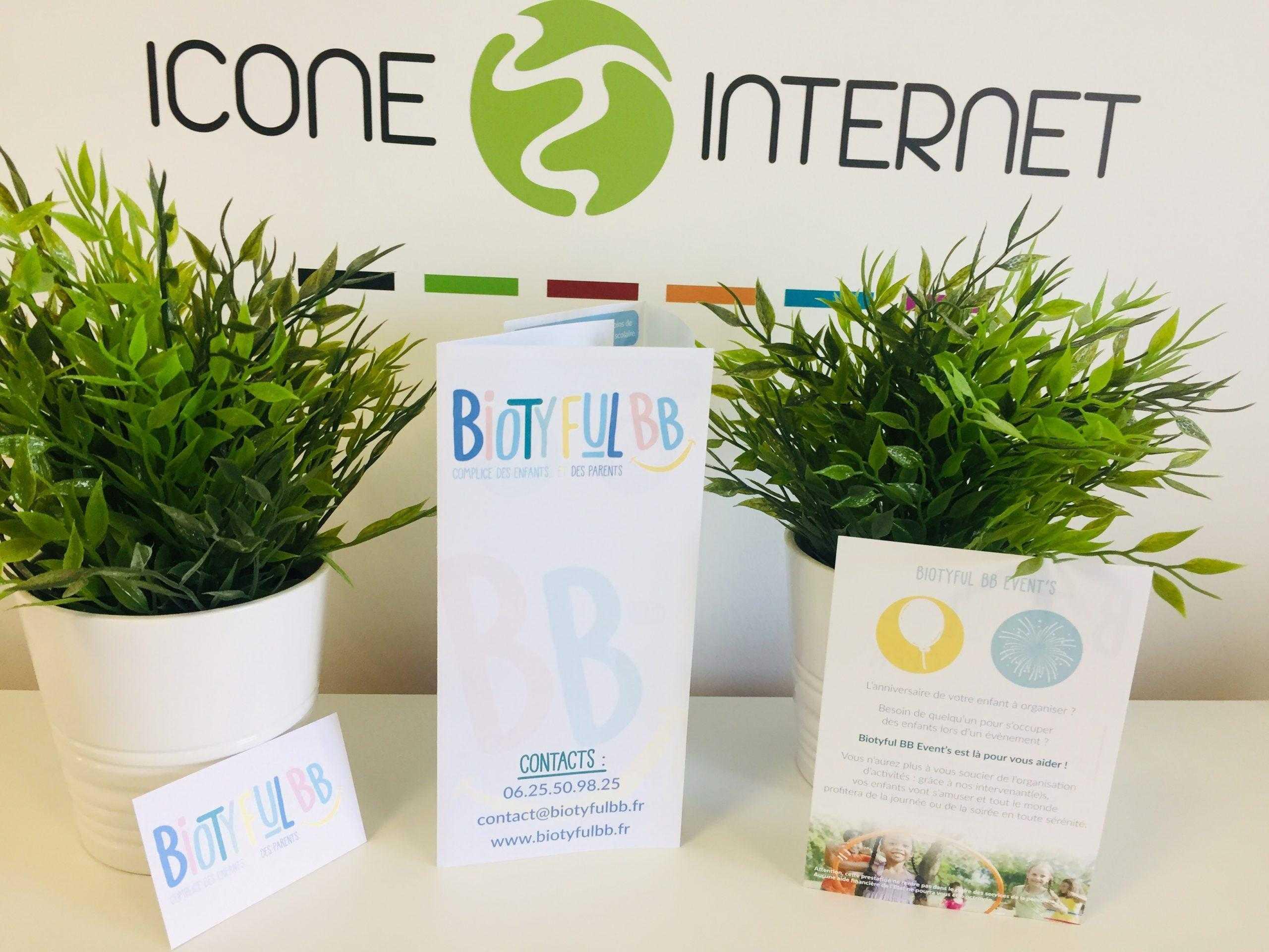 Cartes de visite et flyers pochettes rabats service icone internet