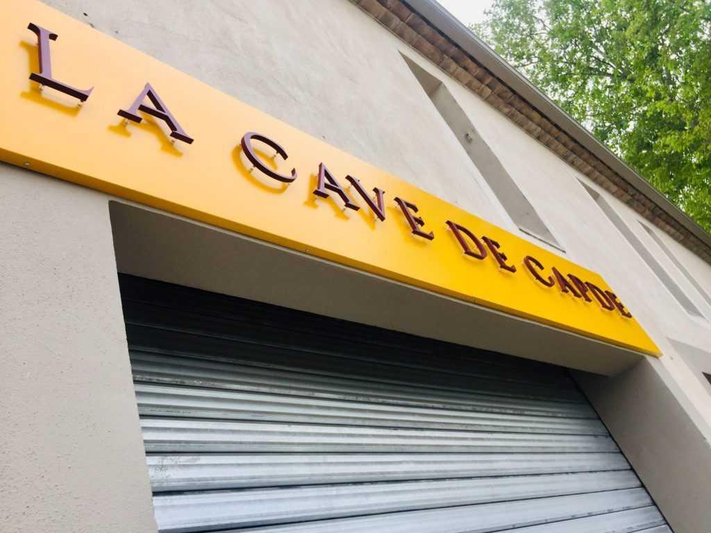 Panneau enseigne Avignon lettres découpées